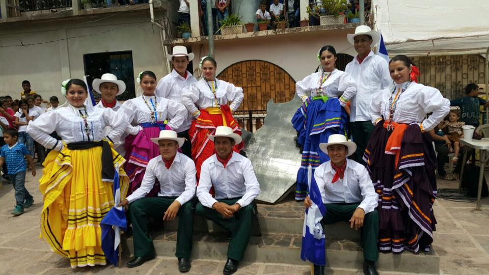 Dancers in El Níspero, Santa Barbara.